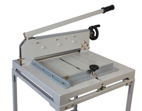 Guilhotina de Facão Semi Industrial 430mm 300 Fls com Mesa