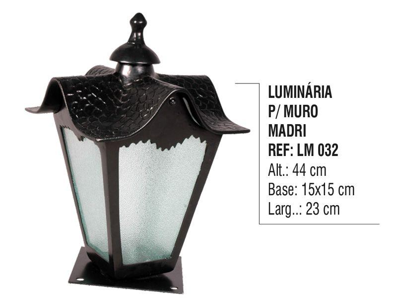 Luminária Colonial para Muro Madri em Alumínio e Vidro  - Panela de Ferro Fundido
