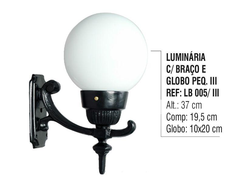 Luminária Globo Pequena 3 com Braço Externa/interna Alumínio 37cm  - Panela de Ferro Fundido