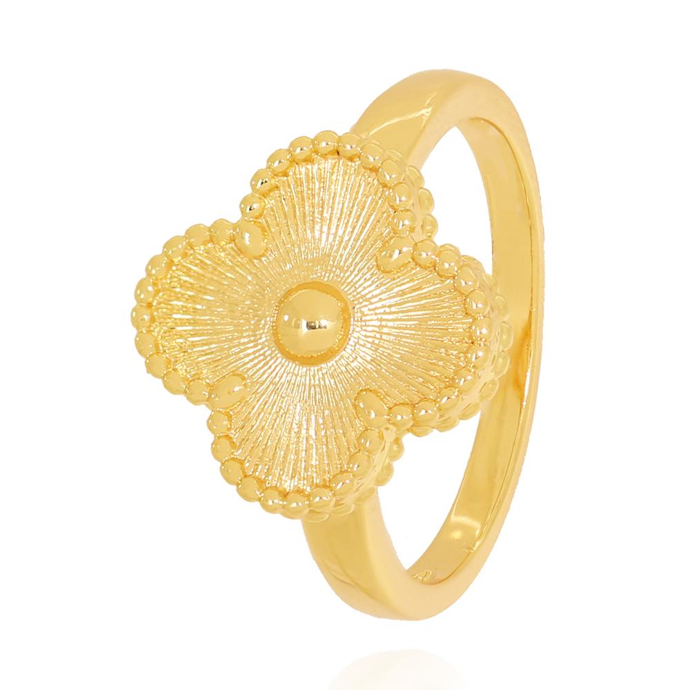 Anel com Medalha de Flor Detalhada Semijoia Ouro 18K