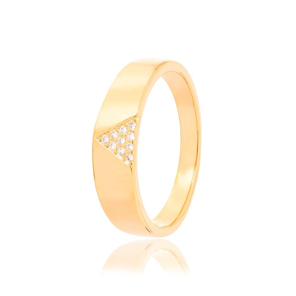 Anel Liso Folheado Ouro 18K com Triângulo de Micro Zircônia Cristal