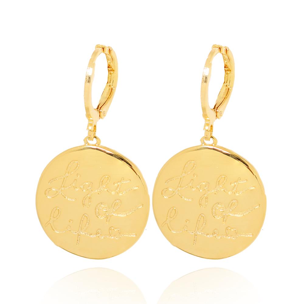Brinco Argola com Medalha LIGHT OF LIFE Folheado Ouro 18K