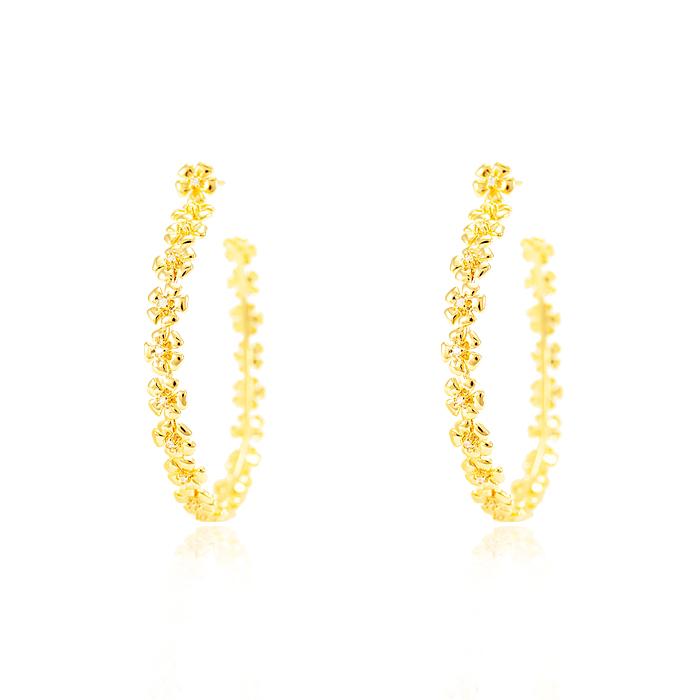 Brinco Argola Folheado Ouro 18K de Florzinhas com Ponto de Luz