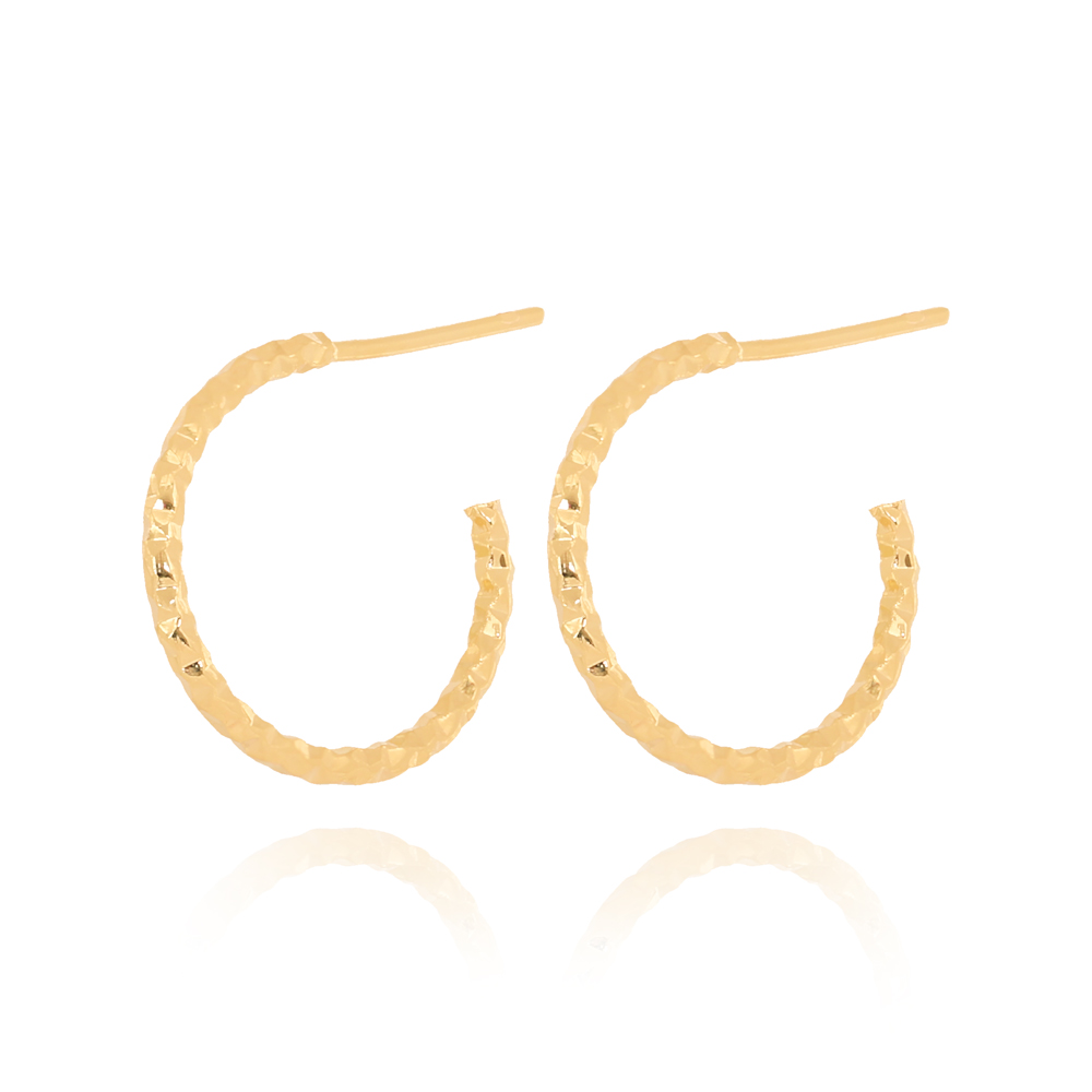 Brinco Argola Média Texturizada Diamantada Semijoia Ouro 18K
