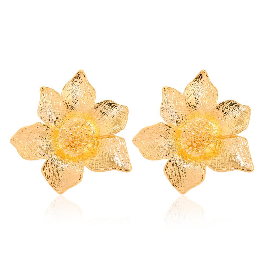 Brinco Flor Detalhado Folheado Ouro 18K