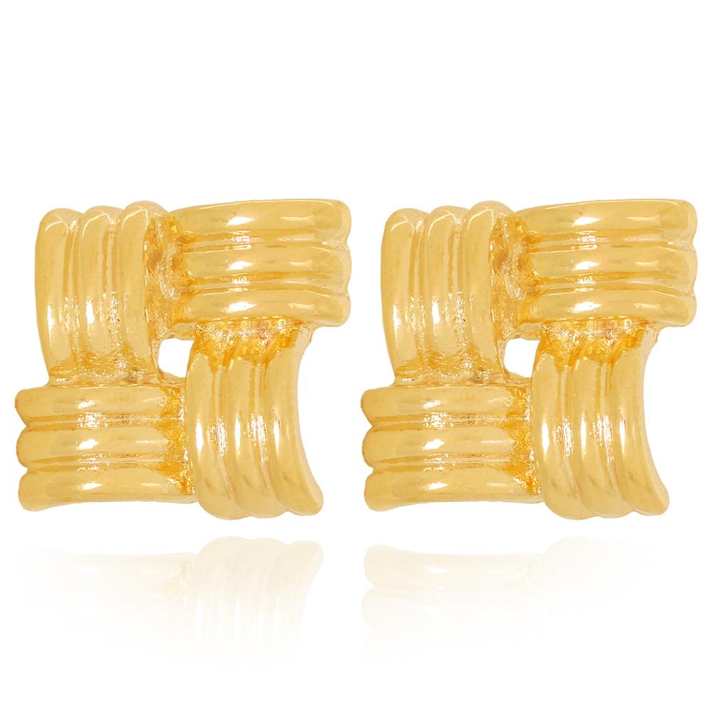 Brinco Losango com Textura de Tubos Semijoia Ouro 18K
