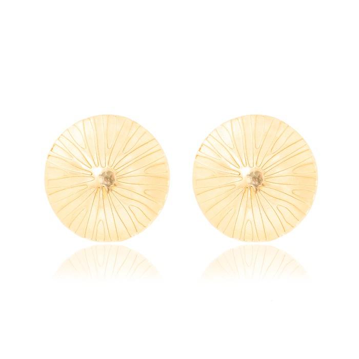 Brinco Redondo Liso Folheado Ouro 18K com Detalhes em Relevo