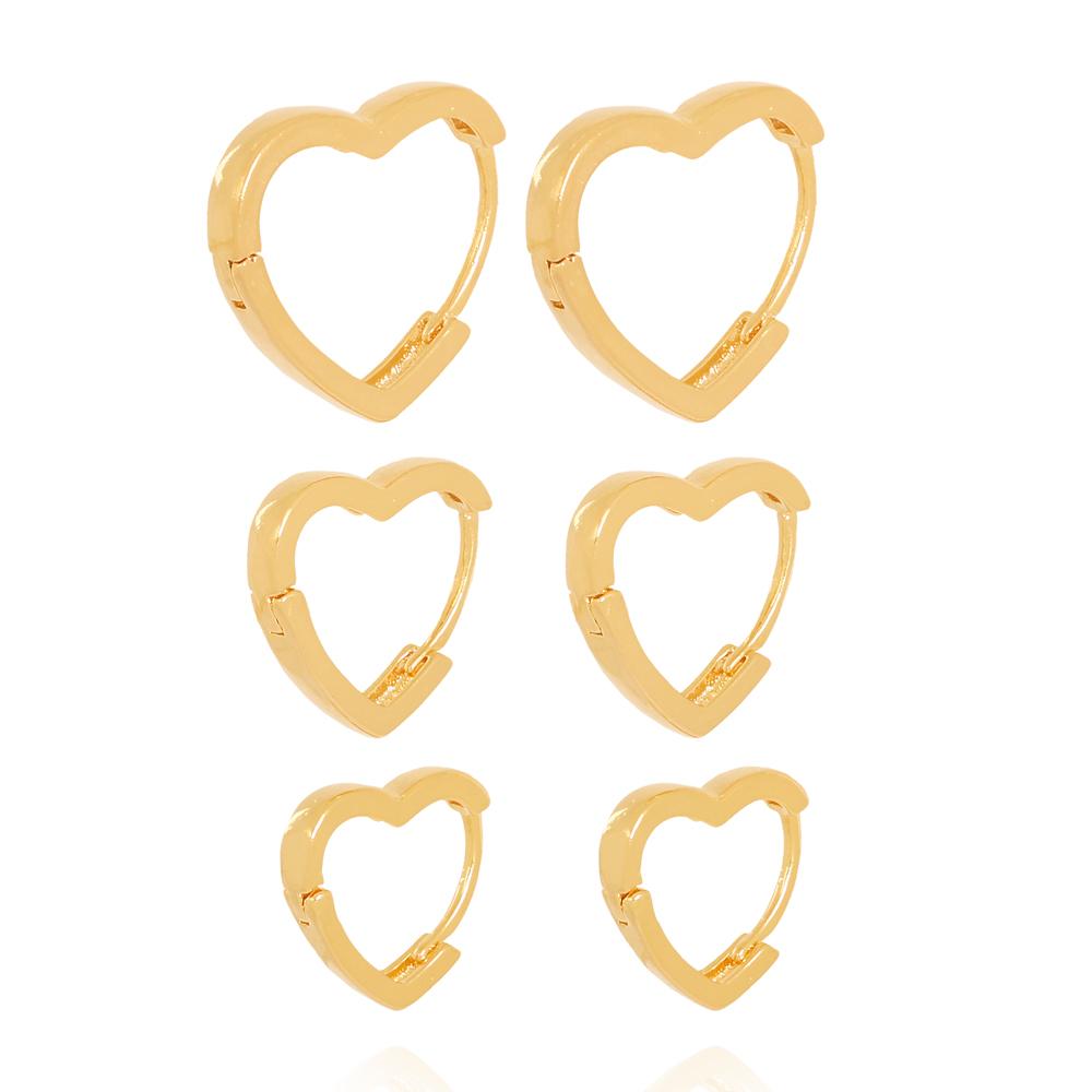 Brinco Trio Coração Liso Semijoia Ouro 18K