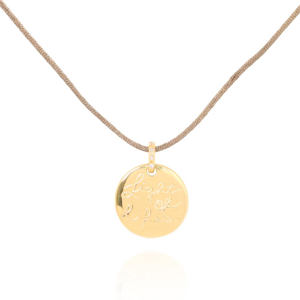 Colar Medalha Folheado Ouro 18K Light Of Life Fio de Seda Nude