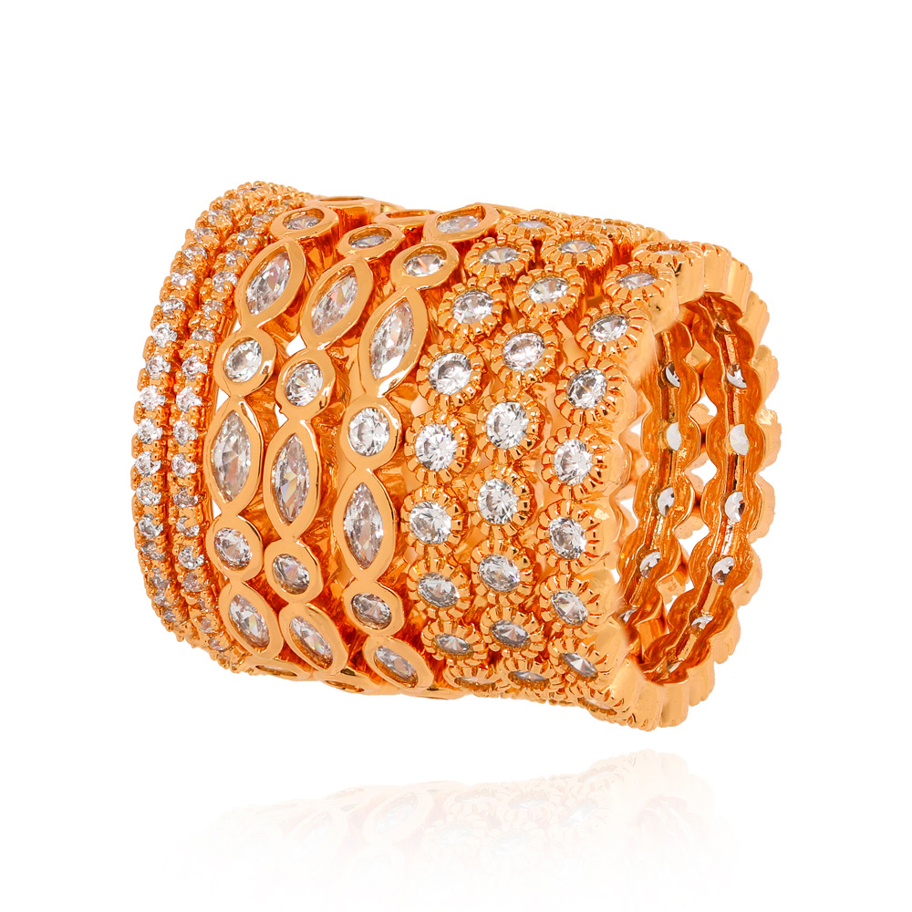 Conjunto Oito Anéis Detalhados com Micro Zircônia Folheado Ouro 18K