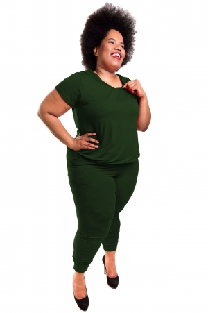 Conjunto Verde Militar Calça Jogger e Blusa Manga Curta com Capuz