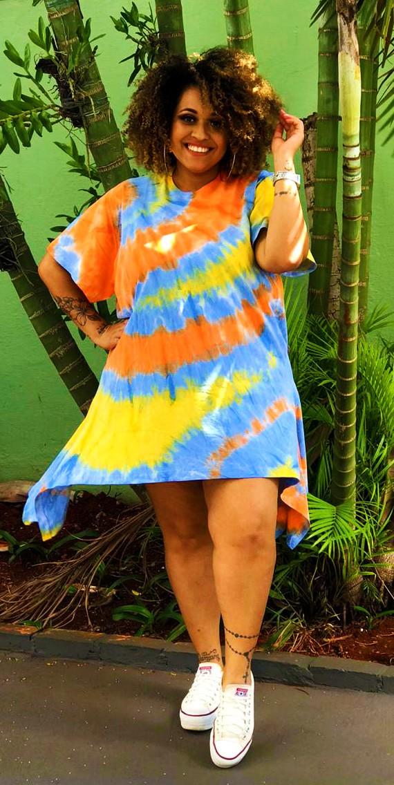 Vestido T-shirt com Pontas Laterais Tie Dye
