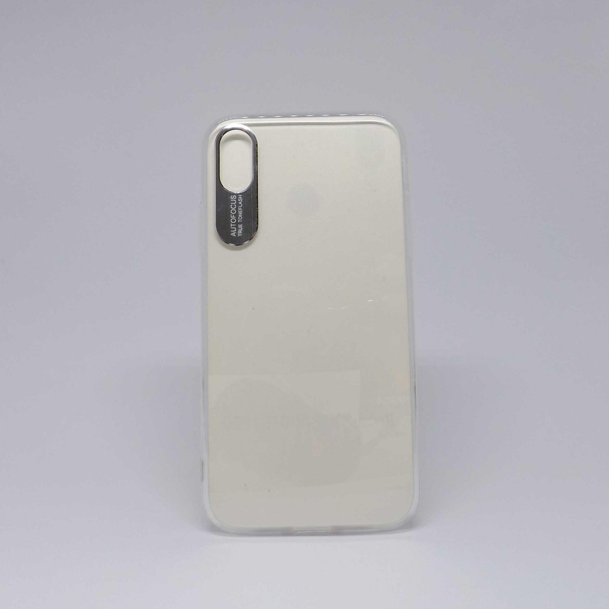 Capa Iphone Xr Antiqueda Transparente Com Detalhe em Metal