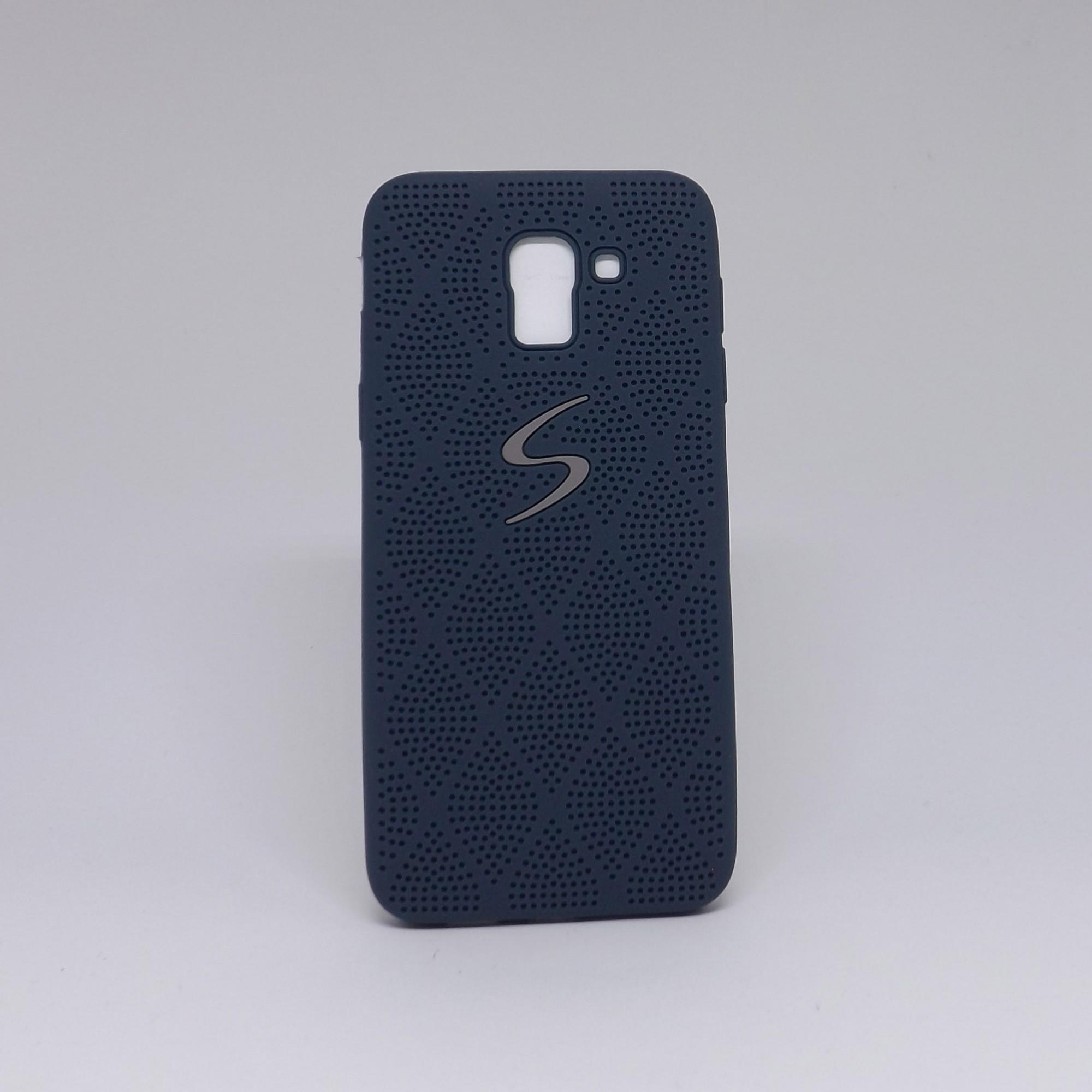 Capa Samsung Galaxy J6 Borracha com Furinhos