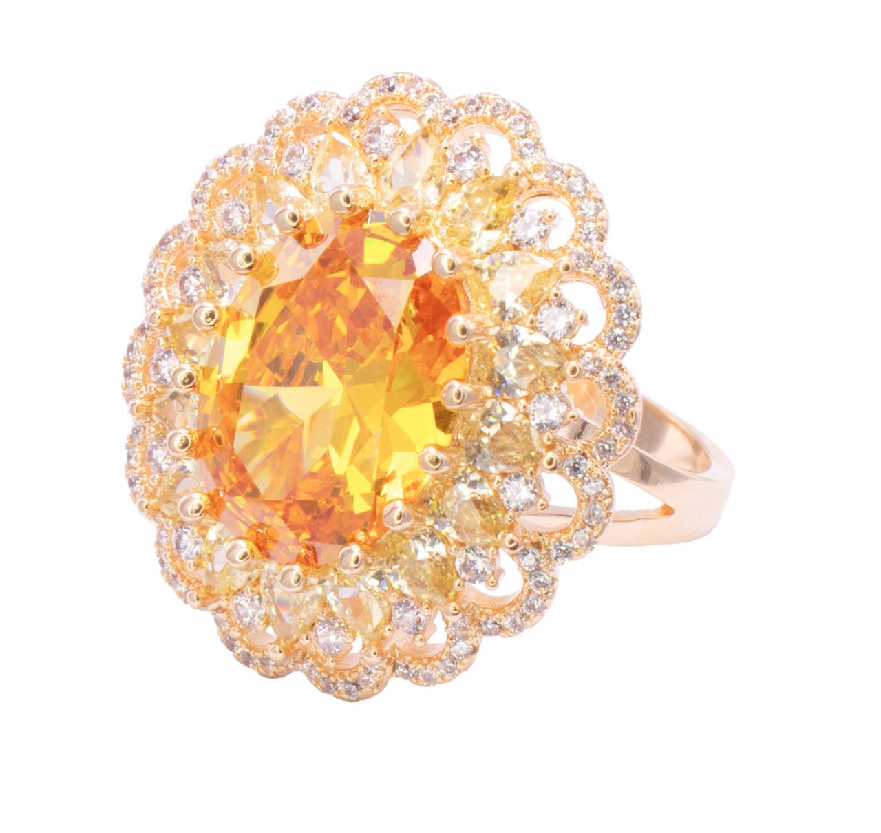Anel com Cristal Amarelo e Pedras em Navete com Zircônias Folheado em Ouro 18k