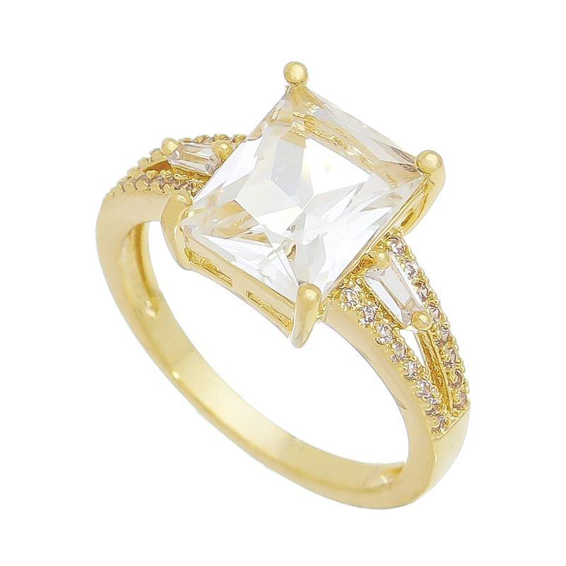 Anel com Cristal Quadrado com Pedras Zircônias Banho Ouro 18k