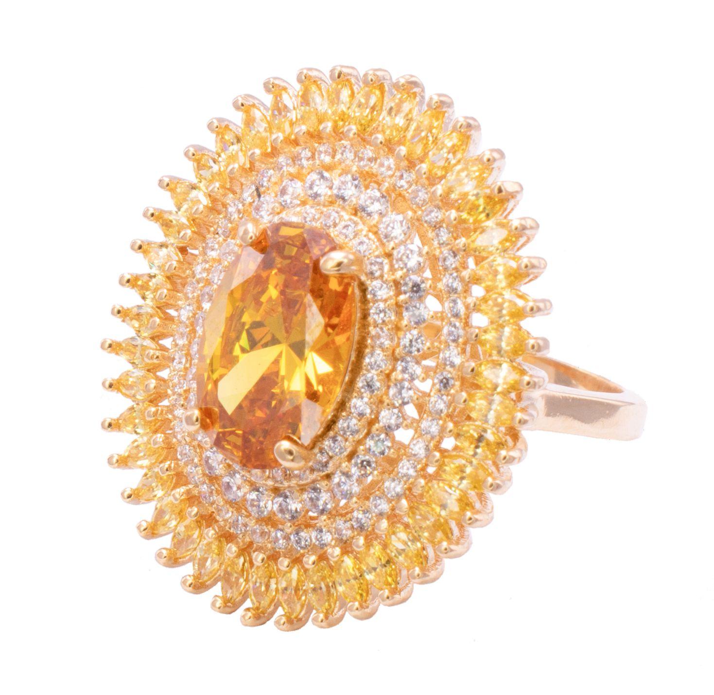 Anel Oval com Cristal Amarelo e Zircônias Folheado em Ouro 18k