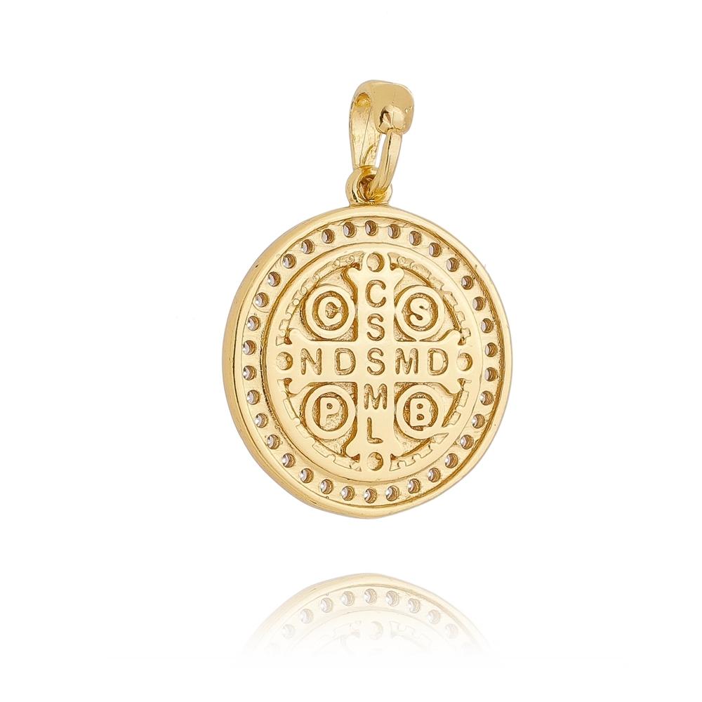 Pingente Medalha de São Bento P Cravejada em Zircônias Folheada em Ouro 18k