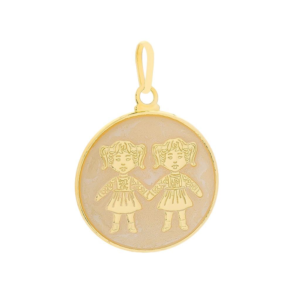 Pingente Medalha Meninas com Madrepérola Folheado em Ouro 18k - Giro Semijoias