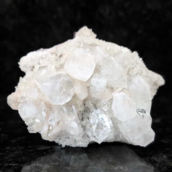 Apofilita no basalto - 7 cm