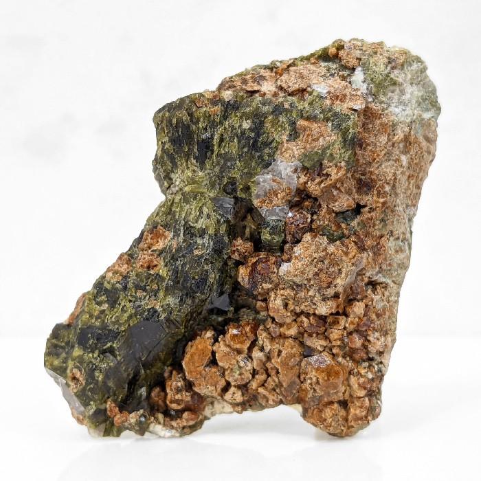 Espessartita (granada) na matriz - 9,1 cm