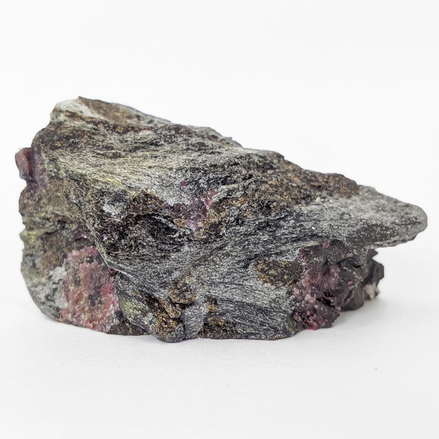 Granada almandina e estaurolita no xisto - 7,8 cm
