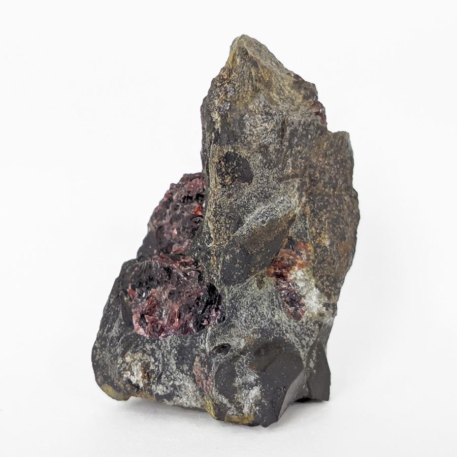 Granada almandina e estaurolita no xisto - 8,5 cm
