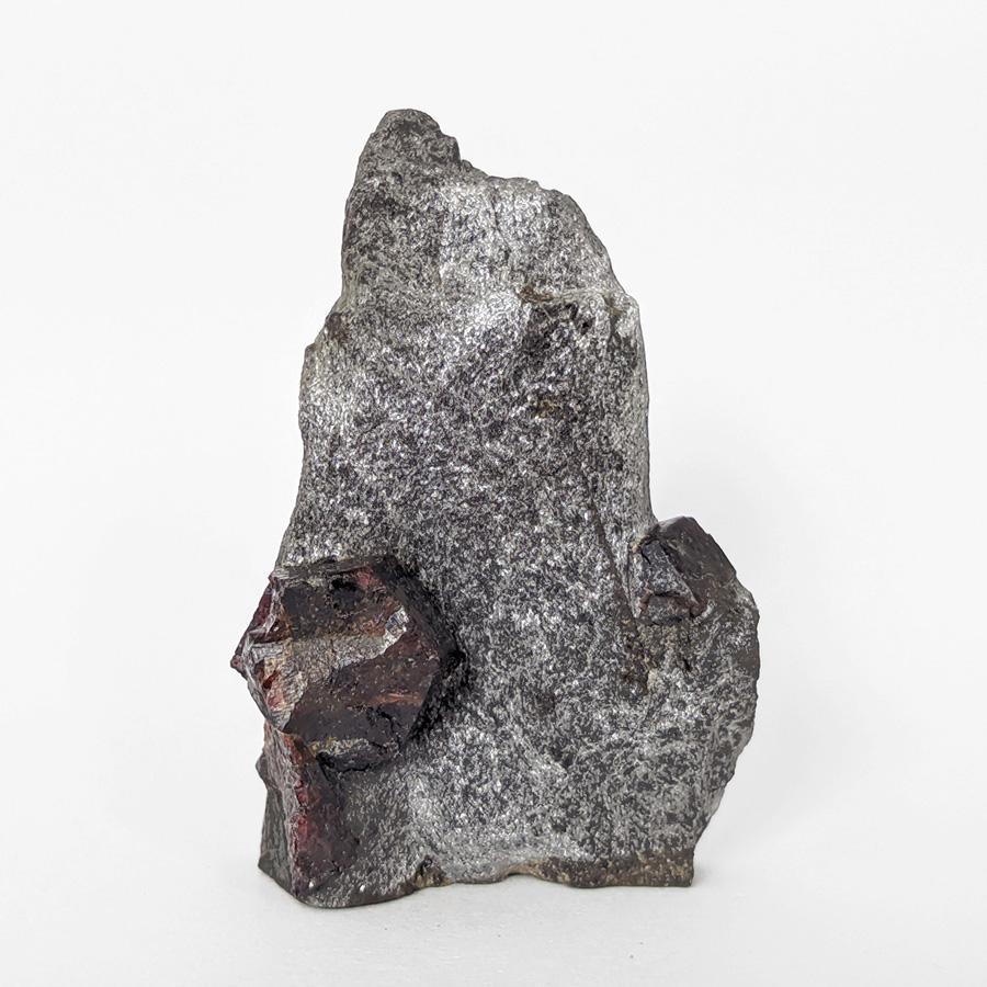 Granada almandina e estaurolita no xisto - 8 cm