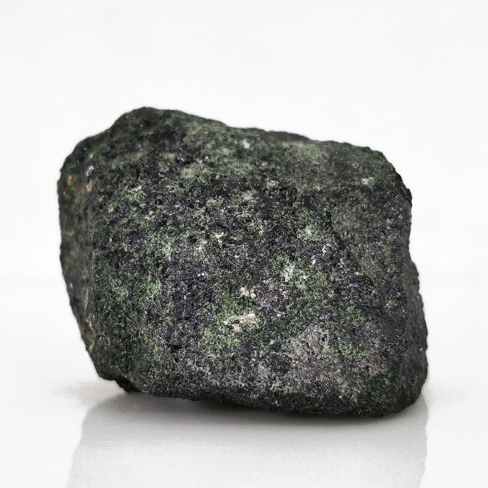Zoisita com rubi e pargasita - 5 cm