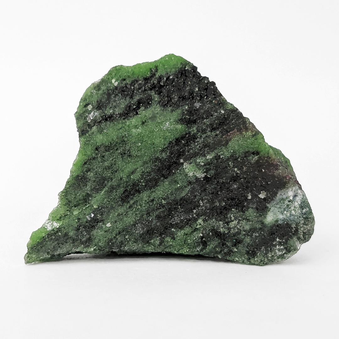 Zoisita com pargasita (pedra kiwi) - 5,8 cm