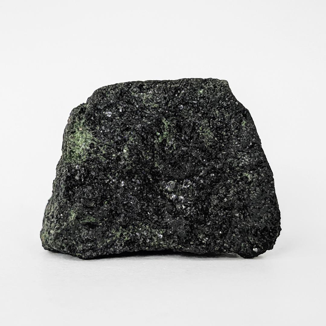 Zoisita com pargasita (pedra kiwi) - 5 cm