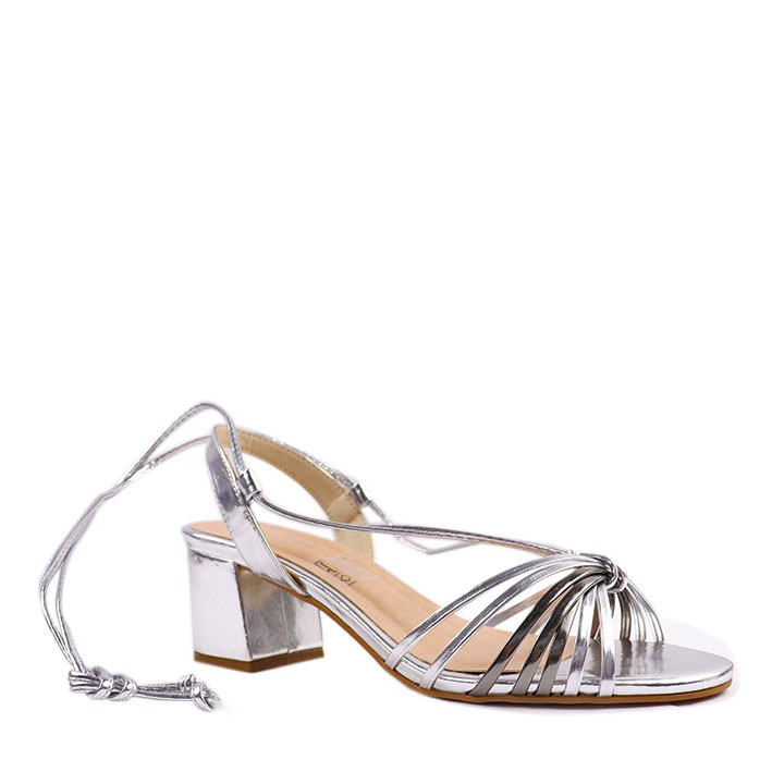 Sandália de amarração e salto bloco multicolor prata