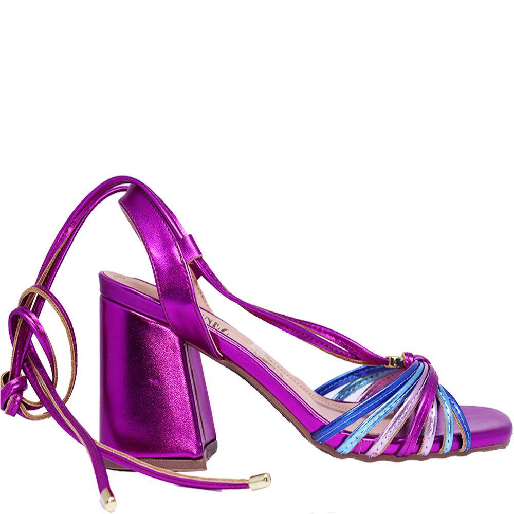 Sandália de amarração e salto bloco pink.