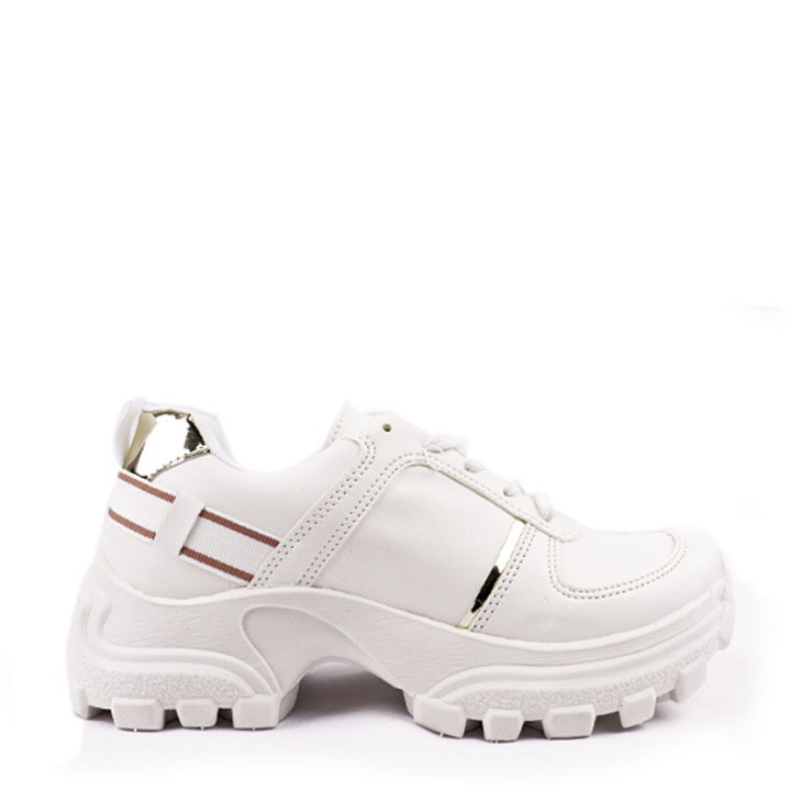 Tênis Sneaker chunky branco com detalhe fita.