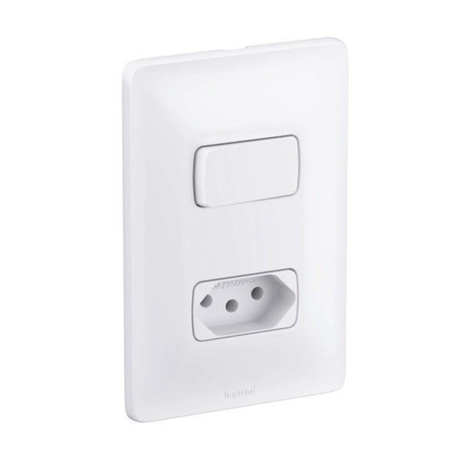 Interruptor 1 Simples + Tomada 2P+T Padrão Brasileiro 10A 680112 Zeffia Pial