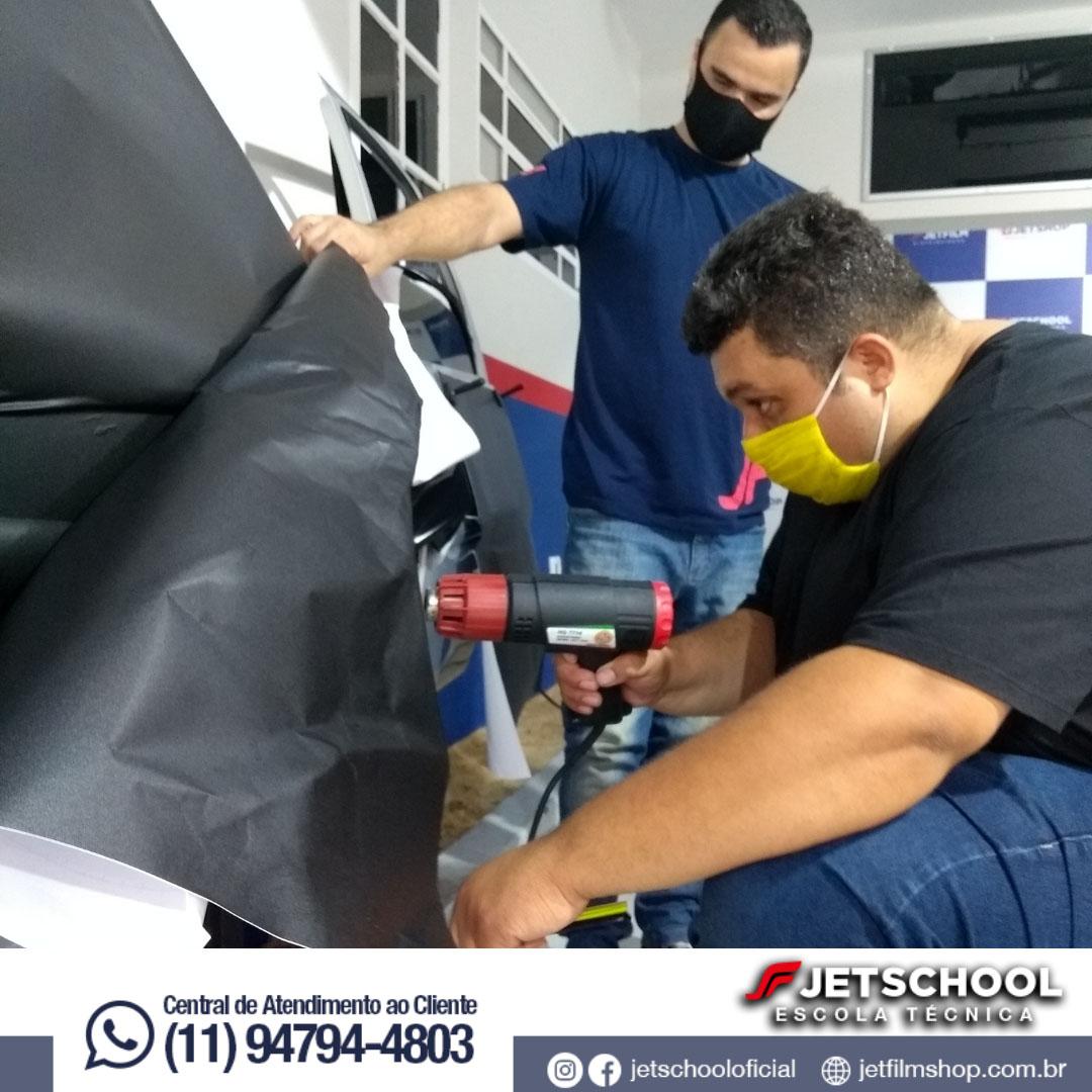CURSO DE ENVELOPAMENTO AUTOMOTIVO 15 HORAS