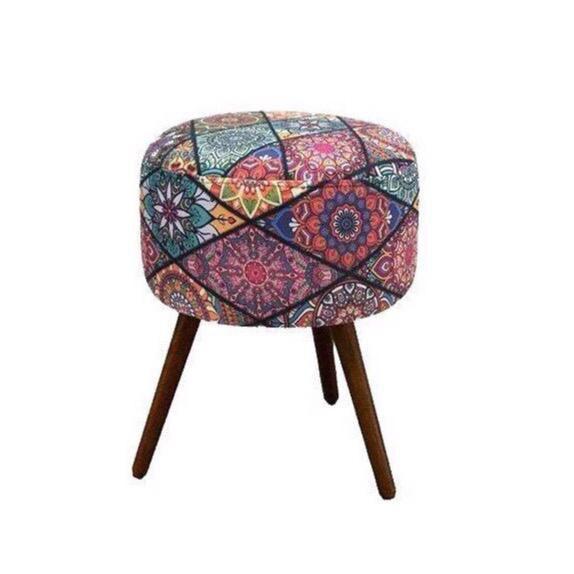 Kit Poltrona Decorativa Nina com rodapé e Puff redondo Mosaico