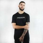 Camiseta Calvin Klein Jeans International Preta