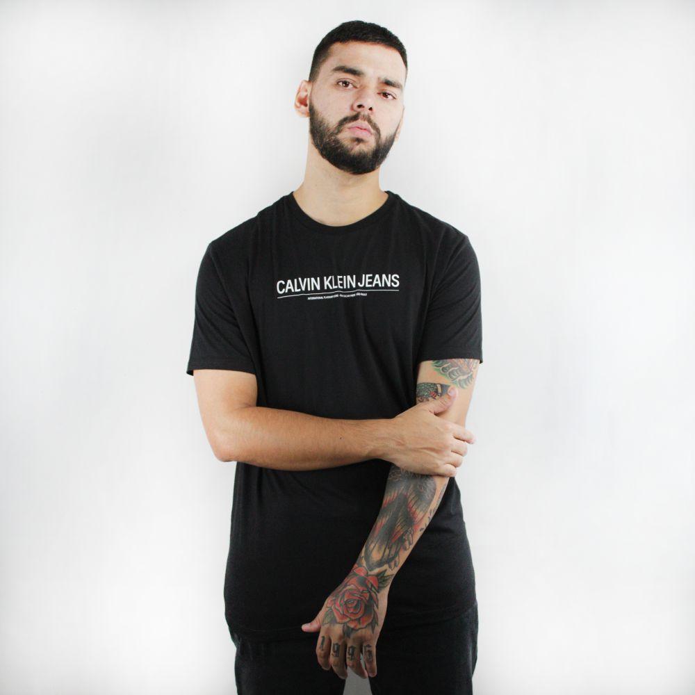 Camiseta Calvin Klein Jeans Basic Preta
