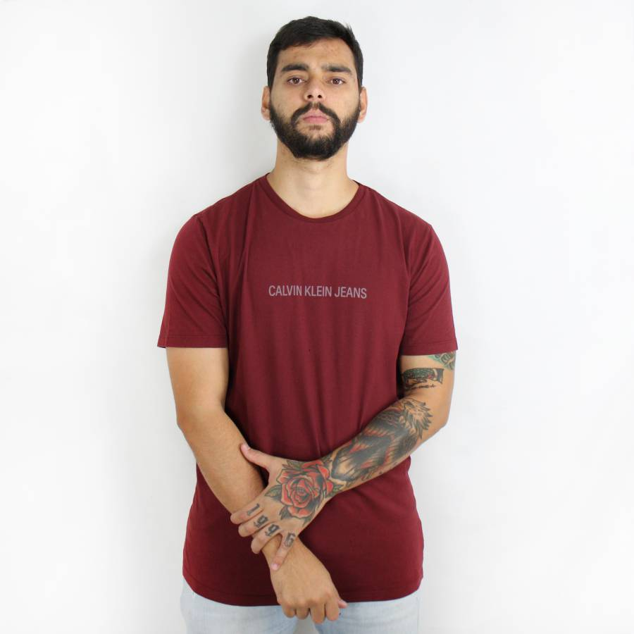 Camiseta Calvin Klein Jeans Classic Vinho