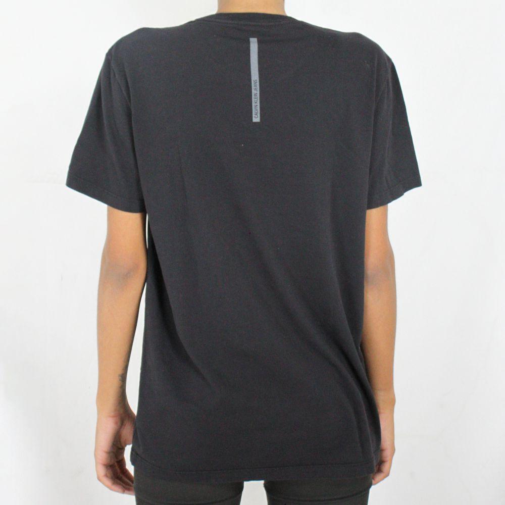 Camiseta Calvin Klein Jeans Feminina Love Yourself