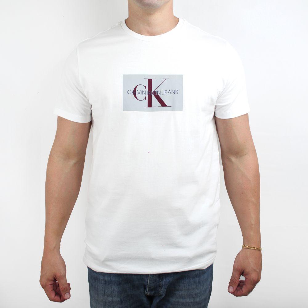 Camiseta Calvin Klein Jeans Geometric Branca
