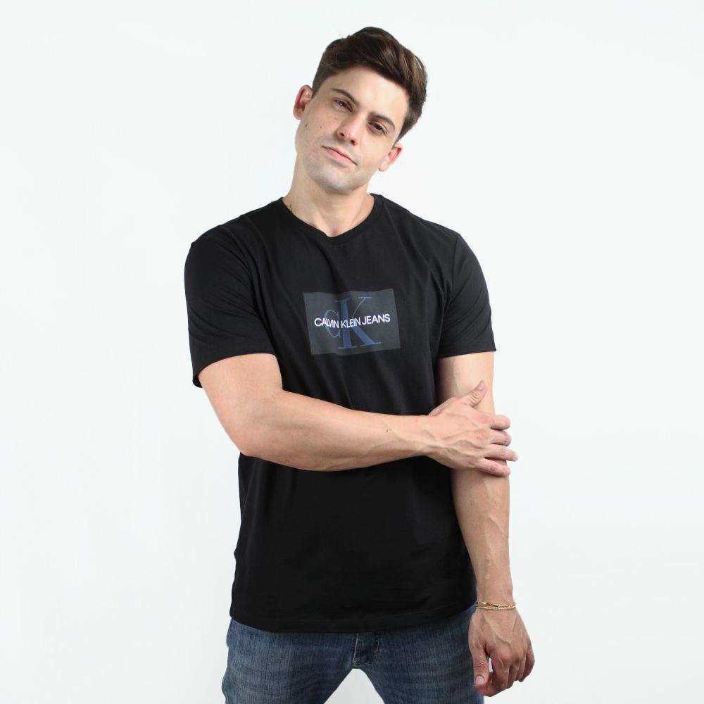 Camiseta Calvin Klein Jeans Geometric Preta