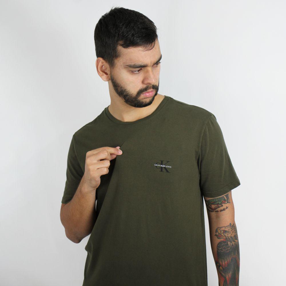 Camiseta Calvin Klein Jeans Logo Classic Verde