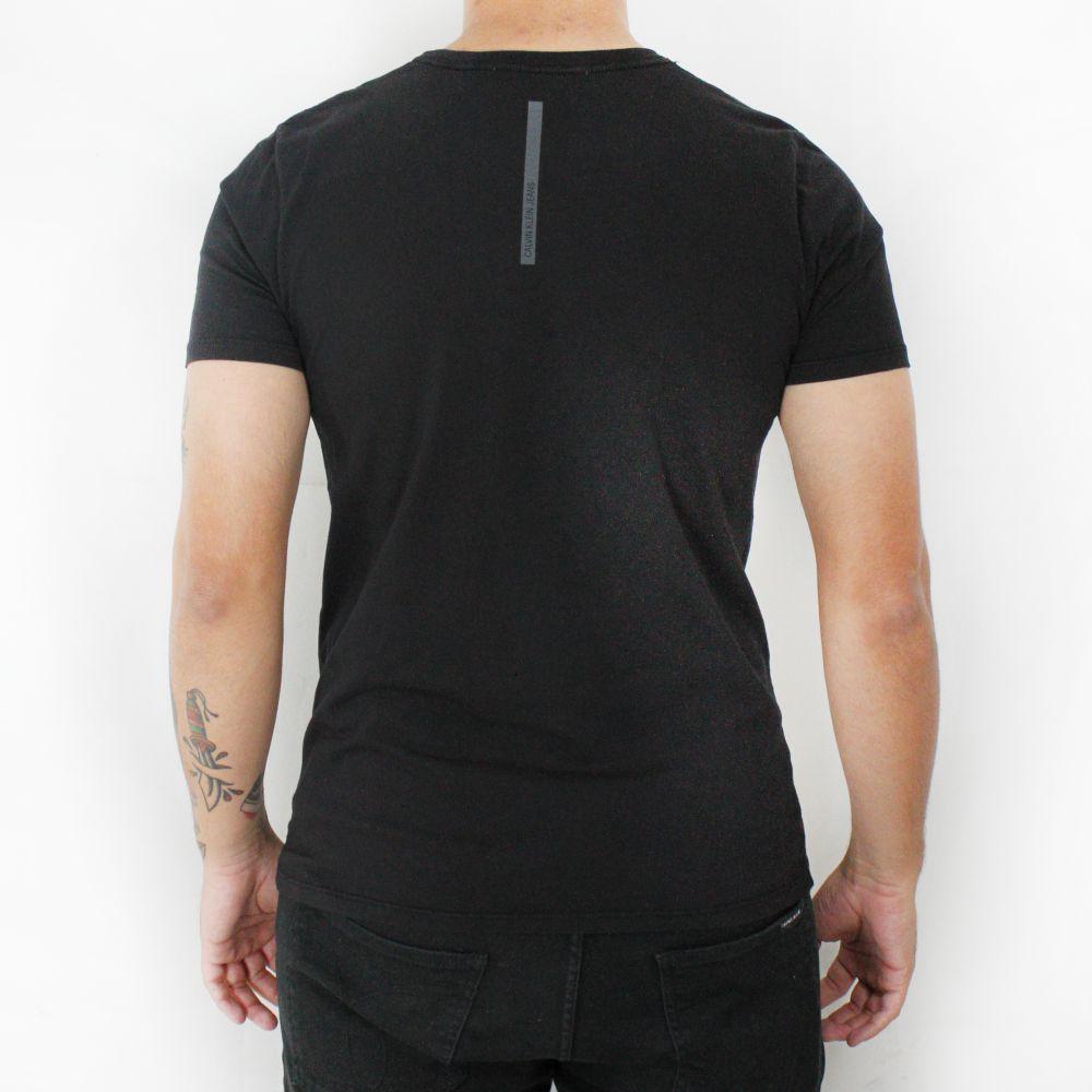 Camiseta Calvin Klein Jeans Masculina Love Yourself