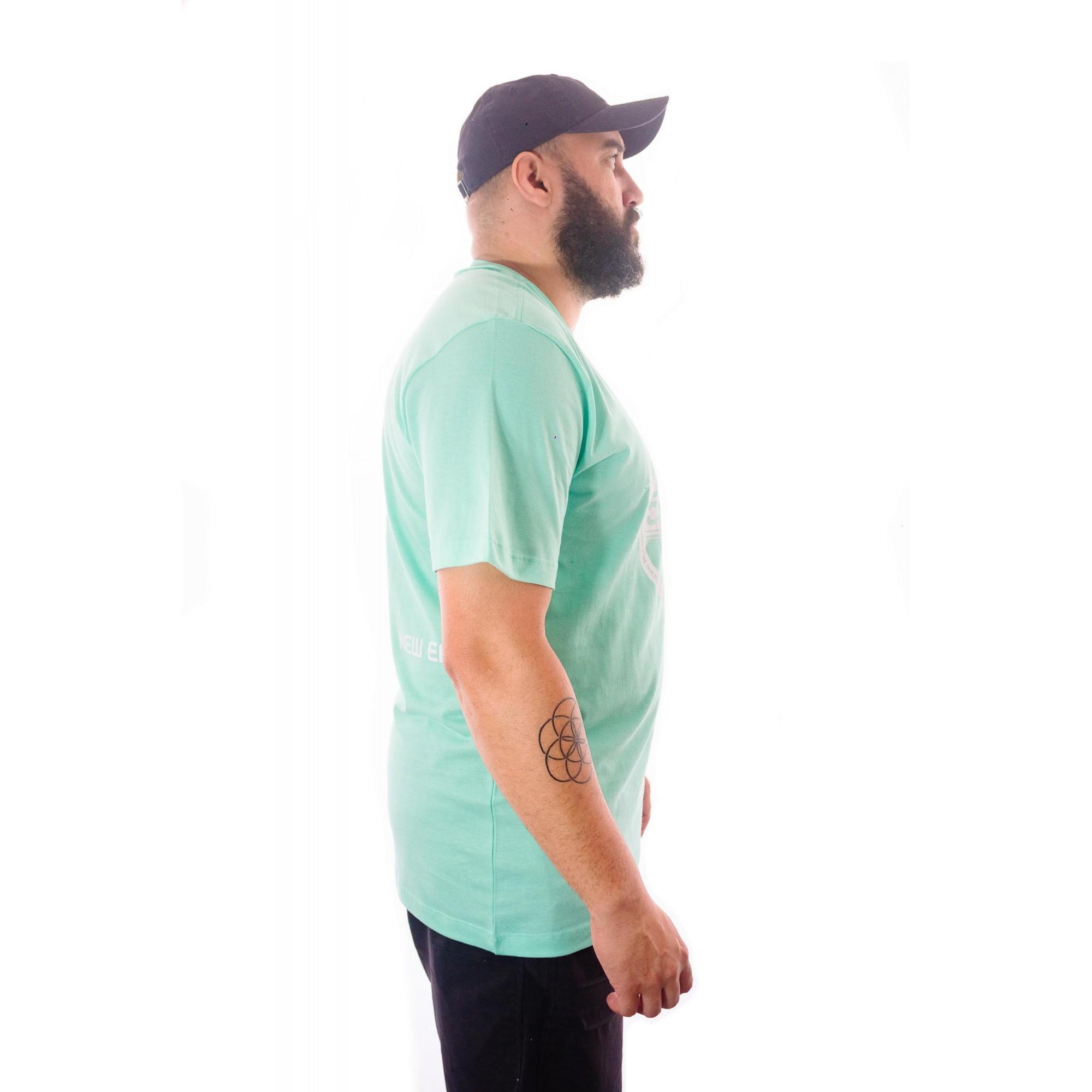 Camiseta New Era Fitted