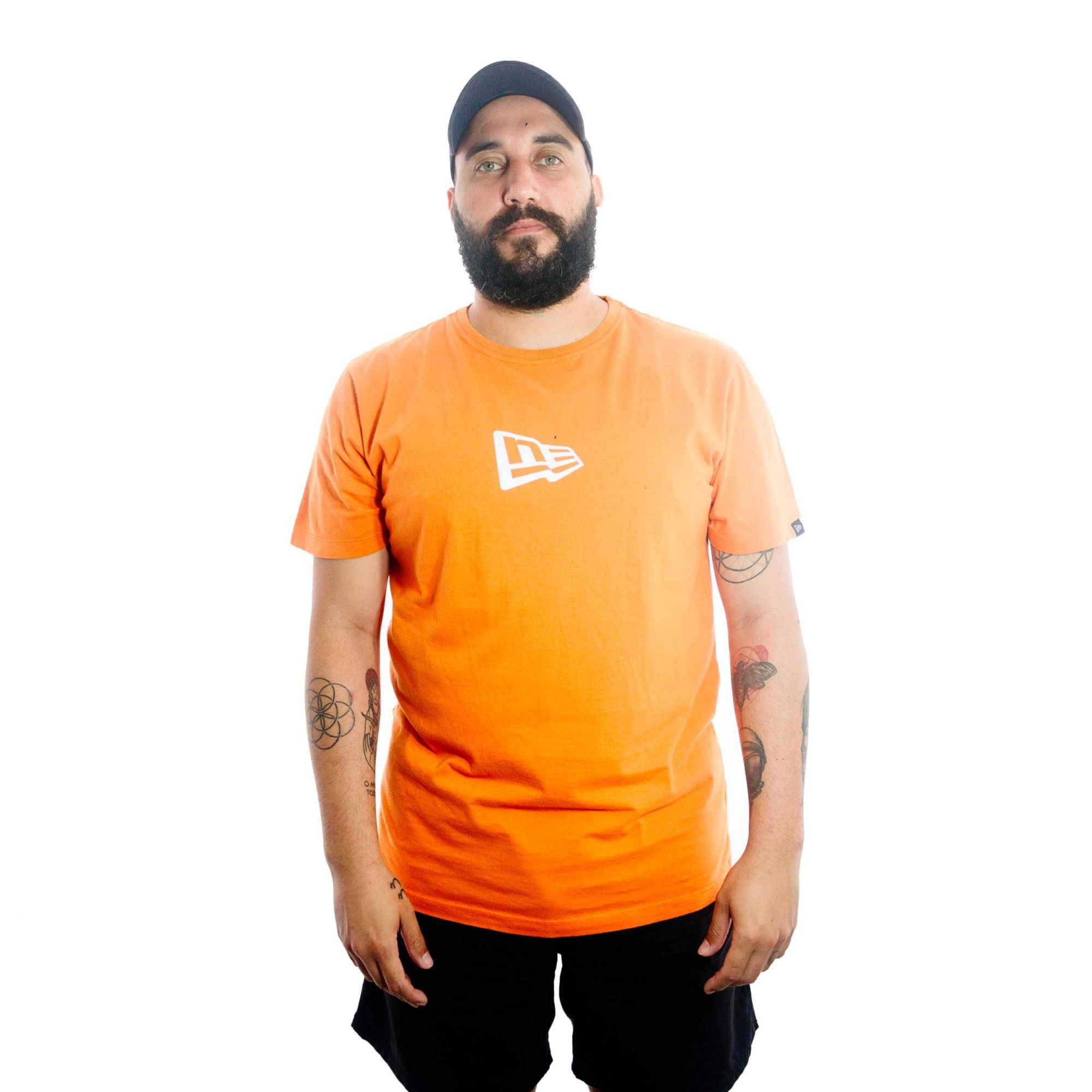 Camiseta New Era Logo Laranja