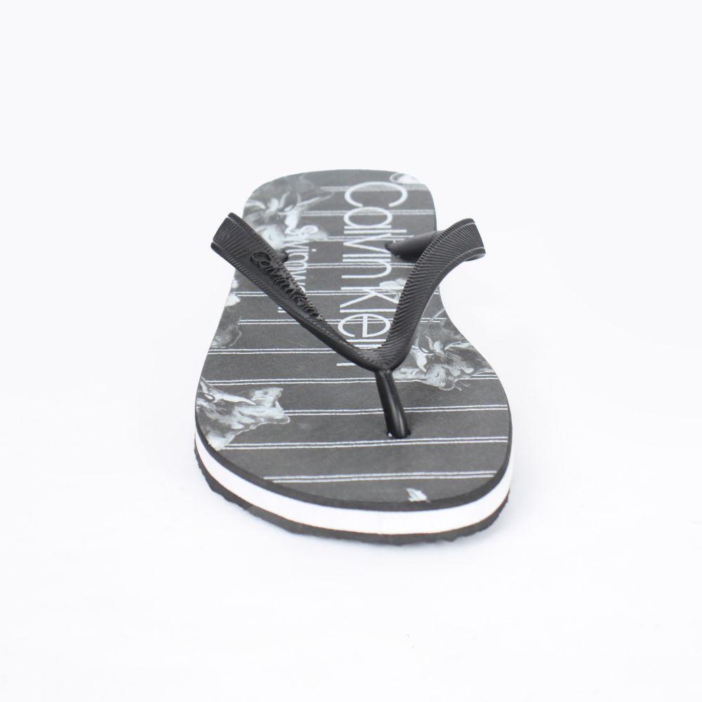 Chinelo Calvin Swimwear Preto