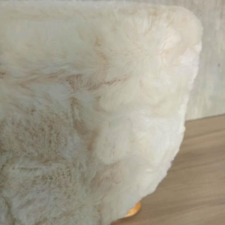 BANQUETA DE MADEIRA E PELUCIA OFF WHITE 29X29CM