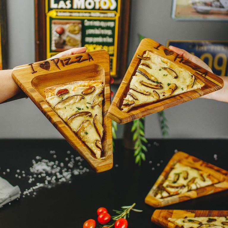 TABUA  EM MADEIRA TECA PIZZA WOOD ART  25X20CM